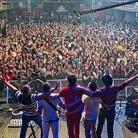 Jejich hity pokořily hranice ČR a poctí svou návštěvou Jamrock 2013 – Charlie Straight!